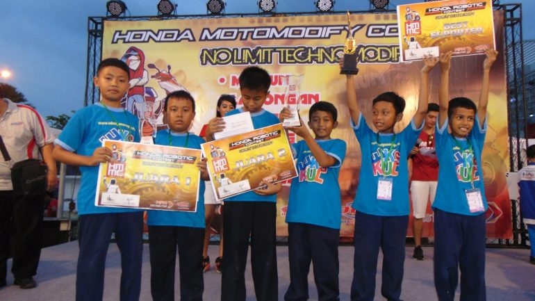 SDMT Juarai Honda Robotic Competition 2015